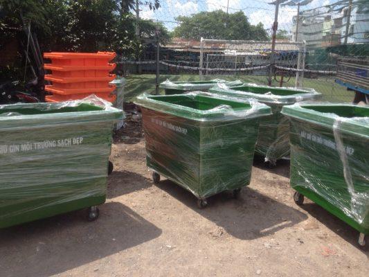 Thùng rác composite 660 L