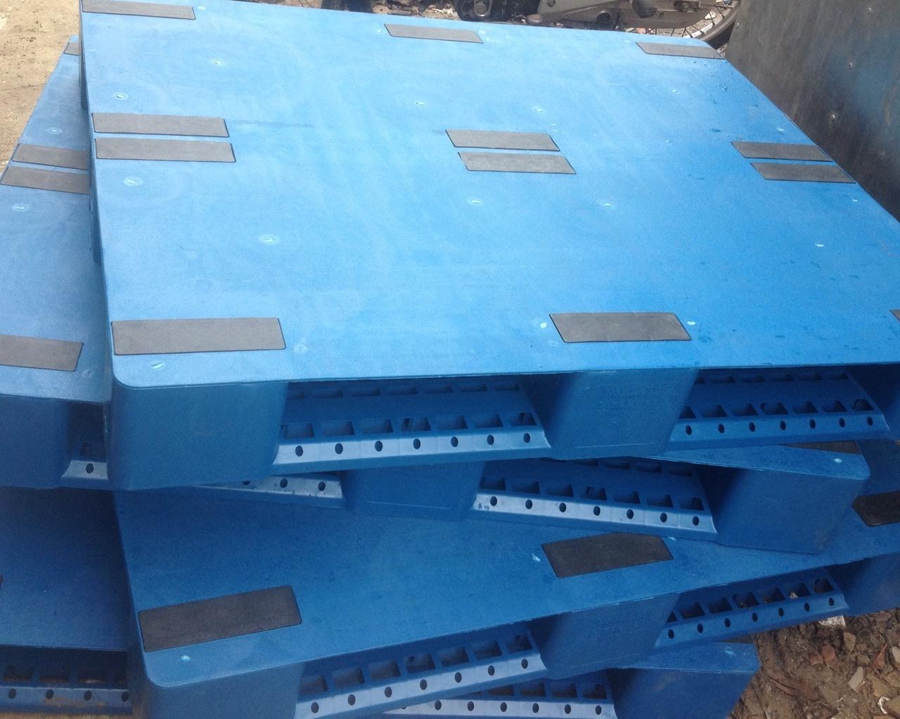 Pallet nhựa công nghiệp Việt Xanh